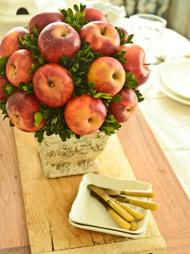 original_Marian-Parsons-Apple-Topiary-Beauty3_3x4.jpg.rend.hgtvcom.616.822